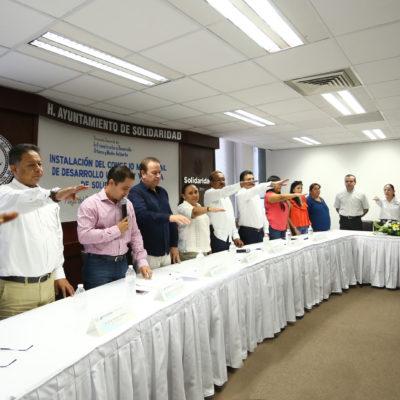 Toman protesta los integrantes del Consejo Municipal de Desarrollo Urbano y Vivienda 2016-2018 en Solidaridad