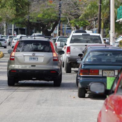 EL CENTRO DE CANCÚN SE AHOGA POR FALTA DE ESTACIONAMIENTOS: Pocos espacios y muchos automovilistas crean un problema permanente en la ciudad