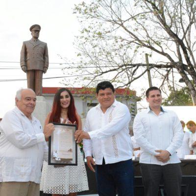 ANIVERSARIO DE LA FUNDACIÓN DE PAYO OBISPO: Entregan al arquitecto Raúl Pérez y Pérez la medalla al Mérito Ciudadano 'Othón Pompeyo Blanco'