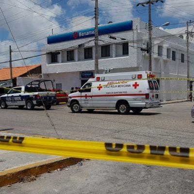 ASALTO EN BANAMEX DEL MERCADO 28: Hombres armados amenazan a cuentahabientes de banco y logran escapar