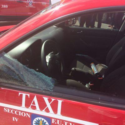 ENFRENTAMIENTO ENTRE TAXISTAS Y UBER'S EN CANCÚN: Saldo de dos heridos por las crecientes tensiones entre choferes