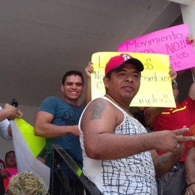 PROTESTAN TRABAJADORES DE BARES EN PLAYA: Reclaman a Alcaldesa por reducción de horarios para venta de bebidas alcohólicas en antros; Cristina los convoca a regularizarse