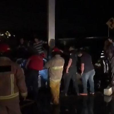 Se estrella conductor y muere calcinado en la carretera Villahermosa-Frontera