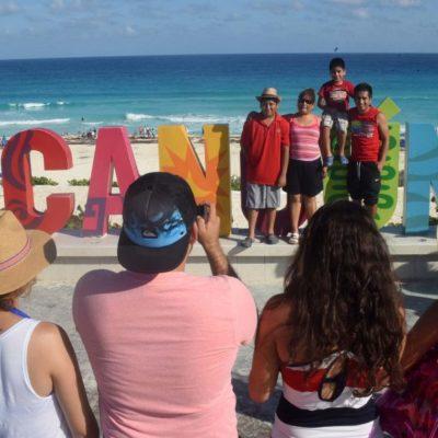 """Cancún """"se mantiene al día"""", pero falta estudiar más al turista: Acluvaq"""