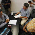 Grupo Frente Cívico se manifiesta ante Cabildo.