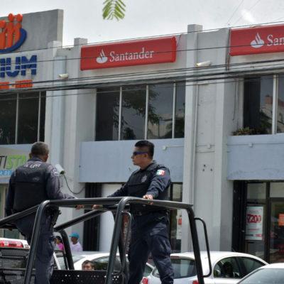 Roban 700 mil pesos a cliente dentro de banco Santander de la Avenida Tulum en Cancún