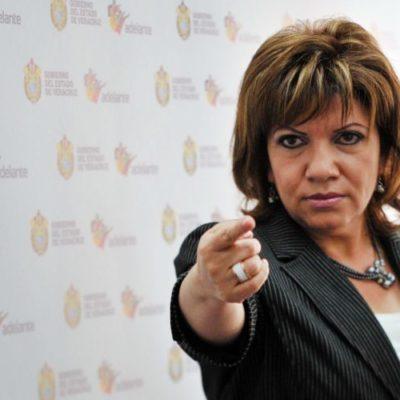 DETIENEN A EX VOCERA DE JAVIER DUARTE: Dan un año de prisión preventiva a Gina Domínguez por delitos de abuso de autoridad e irregularidades