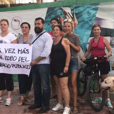 Se manifiestan ciudadanos contra el 'robo' de un pedazo de la ciclopista de la Zona Hotelera de Cancún