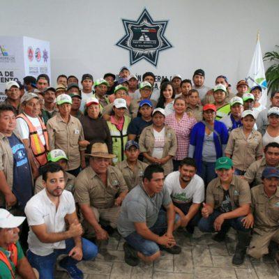 Equipa Laura Fernández a trabajadores municipales de Puerto Morelos