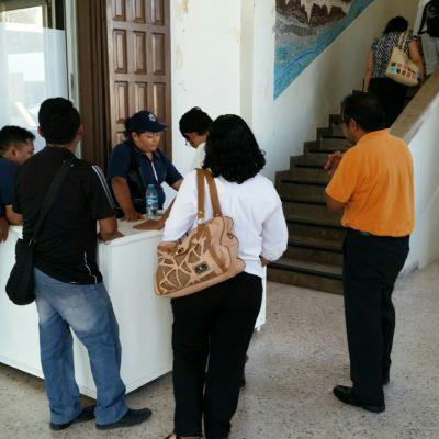 Pide Gobernador a maestros cesados quitar la demanda que interpusieron como condición para gestionar su reinstalación, dicen tras reunión en Chetumal