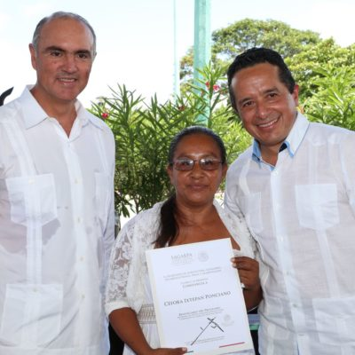Entrega Gobernador incentivos a productores agrícolas y anuncia la instalación de un rastro TIF
