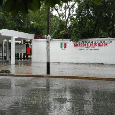 Pese a no haber suspensión de clases, con el pretexto del mal tiempo, los regresan a casa en escuelas de Cancún