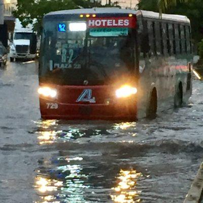GALERÍA   Cae aguacero en Cancún y la ciudad 'se va al agua'