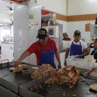 HISTORIAS DE CANCÚN | Tortas y tacos de pierna de 'El Paisano', de lo más tradicional en el Mercado 23 desde hace más de 40 años