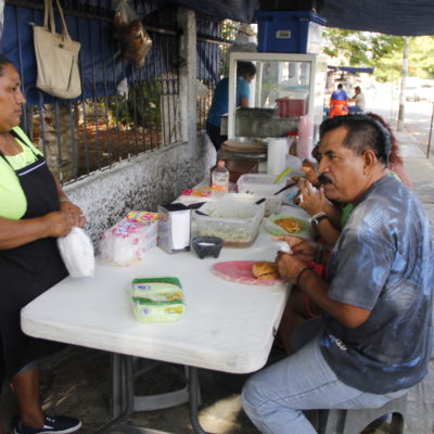 HISTORIAS DE CANCÚN | Tortas y tacos de cochinita y lechón del 'Güero', parada obligada en Cancún desde hace más de 30 años | VIDEO