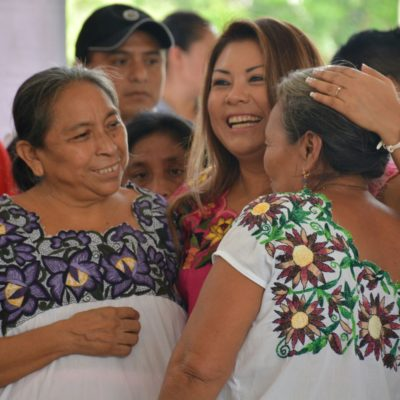 Entrega Romi Dzul mobiliario y equipo a delegaciones y subdelegaciones de la Zona Maya de Tulum