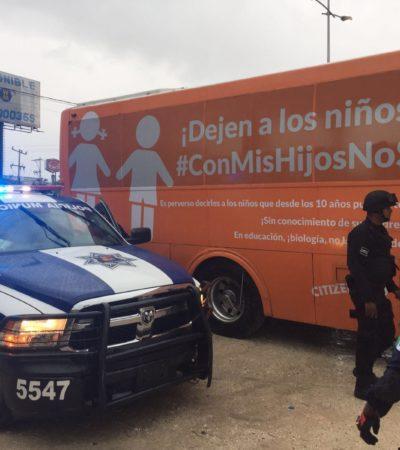 Retienen policías de Cancún a integrantes del Consejo Mexicano de la Familia cuando se dirigían a cumbre de la OEA