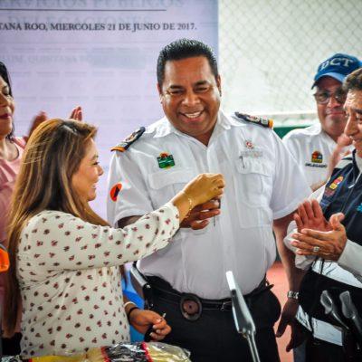 Entrega 'Romi' vehículos y equipo para Protección Civil en Tulum