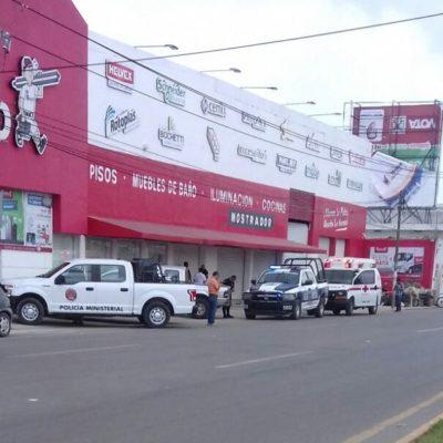 PRELIMINAR | Reportan baleado durante asalto en sucursal de 'Boxito' en la López Portillo de Cancún