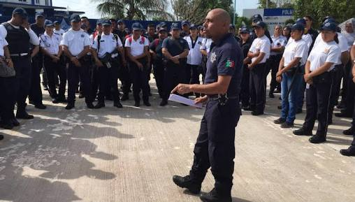 Acusan policías a la Alcaldesa Paoly Perera de desviar recursos en Felipe Carrillo Puerto