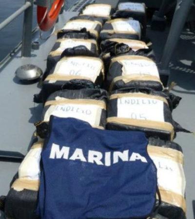 Aseguran más de 200 kilos de cocaína y otros 81 kilos de goma de opio flotando frente a costas de Chiapas