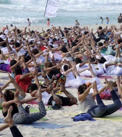 YOGA POR LA PAZ EN PLAYA DELFINES: Promueven estilo de vida saludable en playas de Cancún