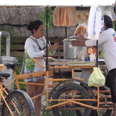 Ponen orden en el comercio en la vía pública en Puerto Morelos