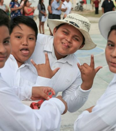 Celebran el fin de los cursos escolares en Puerto Morelos