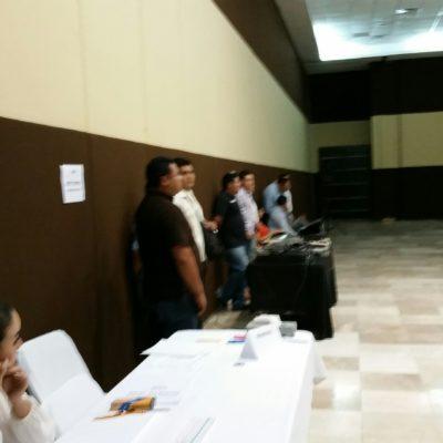 Bloquean y acosan a colaborador de Noticaribe en evento del Gobierno de Quintana Roo