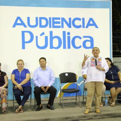 Realiza Alcaldesa Cristina Torres audiencia pública en la Gonzalo Guerrero