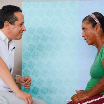 Atiende Carlos Joaquín a gente de Tulum en 'Platícale al Gobernador'