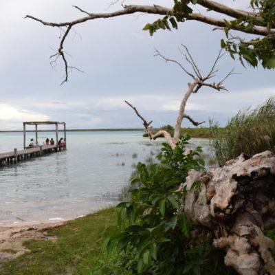 Preocupa afectación del entorno ecológico de Bacalar y los cobros a los muelles en la laguna