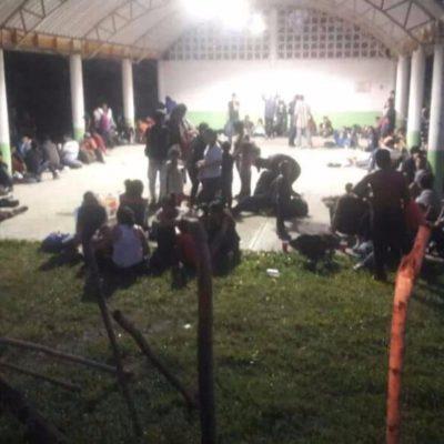 Abandonan un tráiler con 170 migrantes al norte de Veracruz