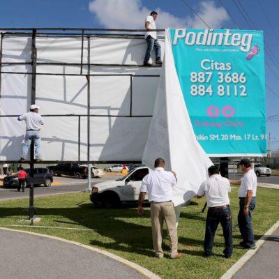Retira Ayuntamiento anuncios espectaculares irregulares en Cancún
