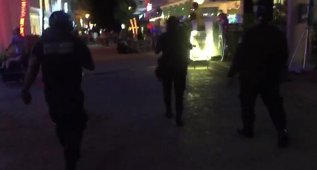 NUEVA BALACERA EN LA QUINTA AVENIDA: Fallido intento de ejecución deja al menos 3 heridos en la Calle 12; detienen policía municipal y Marina a 3