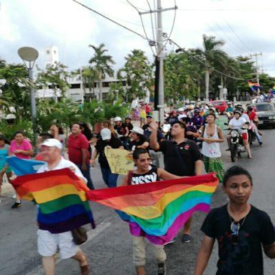 Realizan en Cozumel marcha del orgullo gay