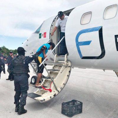 TRASLADAN A REOS DE ALTA PELIGROSIDAD: Se llevan a 14 reclusos de Cancún a diferentes penales federales de máxima seguridad