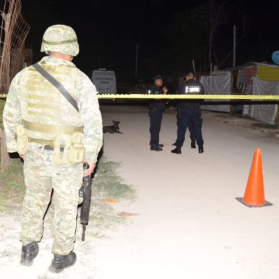 EJECUTAN A UN HOMBRE EN PUERTO MORELOS; OTRO SE SALVA: Atacan a balazos a 2 sujetos en la zona conocida como 'La Invasión'