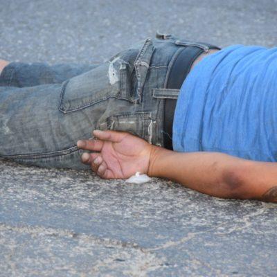 EJECUTAN A UN HOMBRE EN LA REGIÓN 94: Sicarios en Jetta blanco le disparan en plena Ruta 5 y huyen; suman 85 casos en Cancún