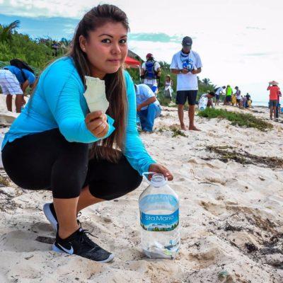 Realizan limpieza de playas en Sian Ka'an