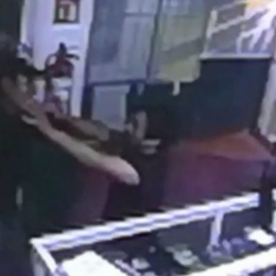 Graban en video 'levantón' de presunto narcomenudista en Cozumel