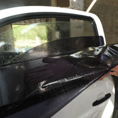 Anticipan 500 amparos contra el cobro al polarizado de autos en Quintana Roo