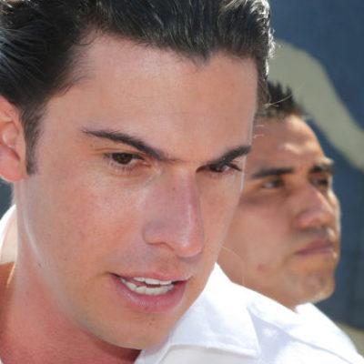 Sí se entregarán útiles escolares en Cancún, asegura Remberto Estrada