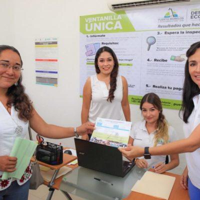 Entrega Alcaldesa licencia de funcionamiento número 100 tramitada en la Ventanilla Única de Puerto Morelos