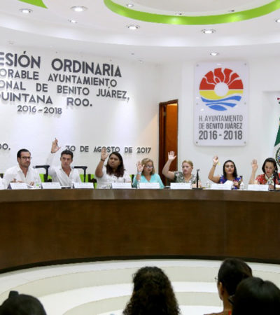'ROUND' EN EL CABILDO POR ÚTILES ESCOLARES: Están incompletos, acusa Antonio Meckler; es material de calidad, asevera Remberto Estrada