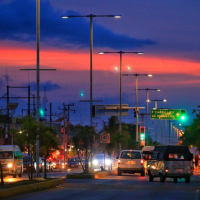 Continúa el programa de rehabilitación de luminarias en Tulum