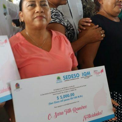 Aunque es poquito es mejor que nada, dicen beneficiarias de cinco mil pesos para reforzar empresas