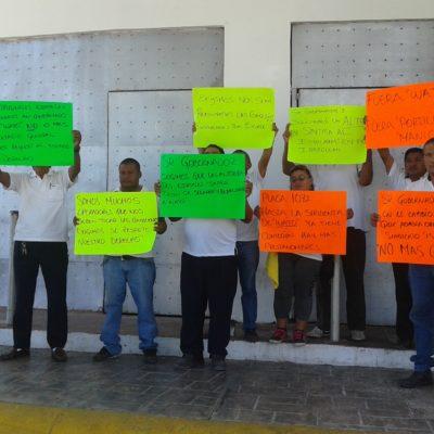 REVUELTA DE TAXISTAS EN ISLA MUJERES: Acusan a 'El Wato' de entregar 119 placas a amigos y familiares como pago de favores políticos
