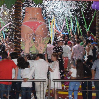 Mujeres extranjeras enviadas al INM y gerentes de bares y discotecas bajo investigación, resultado de operativo en Cancún