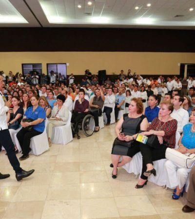 """ADVERTENCIA DEL GOBERNADOR A SU GABINETE: Si quieren participar en las próximas elecciones, deben renunciar a sus cargos; """"requiero de un compromiso al cien por ciento"""", dice"""